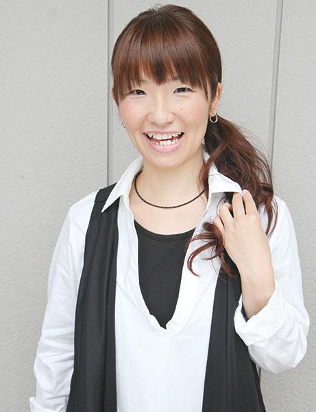 数回の施術でご満足いただけた飯田美津恵さん 2011年4月